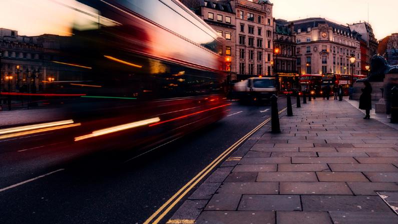 Bussförare eller marknadsförare?